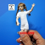 XKK21 Heidi Ott Teenager Doll Girl with a wig  and no clothes 4""