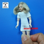 XKK19 Heidi Ott Teenager Doll Girl with a wig and no clothes 4""